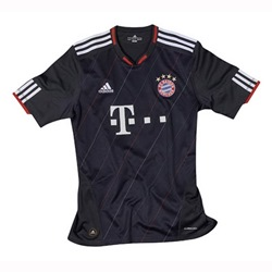 Uniforme 3 do Bayern M�nchen - Temporada 2010/2011