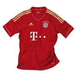 Uniforme 1 do Bayern M�nchen - Temporada 2012/2013