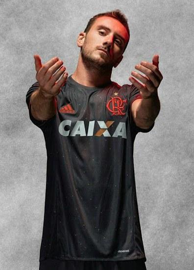 99f0fa238ca48 ... Uniforme 3 do Flamengo na Copa Libertadores da América 2017